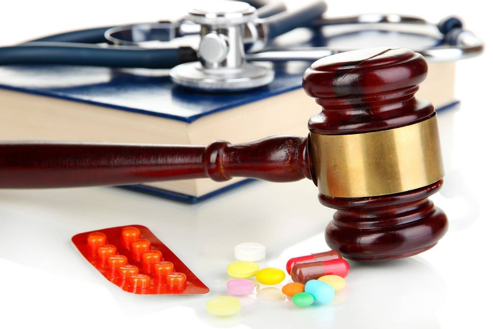 Medical Malpractice Lawyers Working to Establish Liability of Doctors