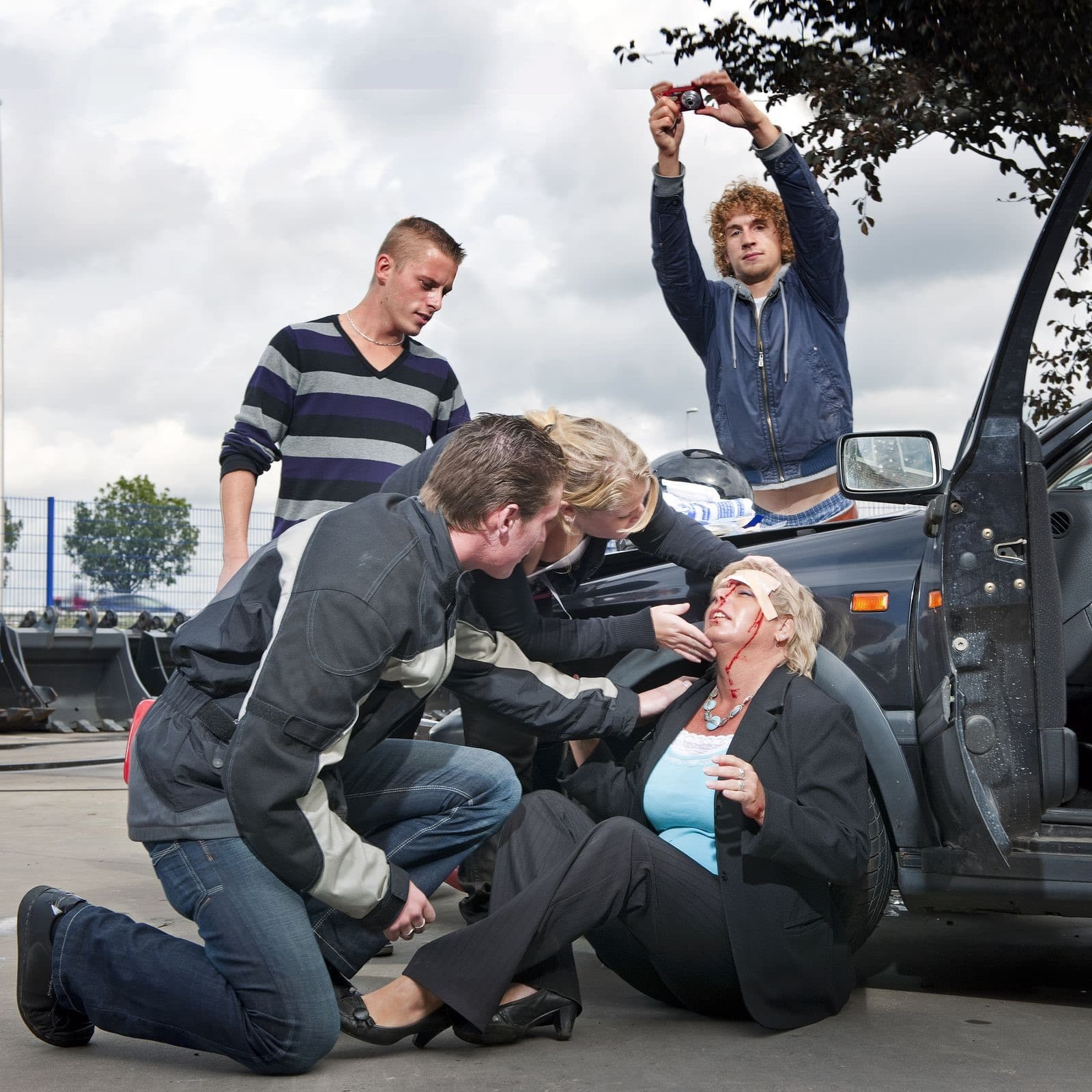 A Personal Injury Lawyer Offers Service to Vehicular Accident Victims