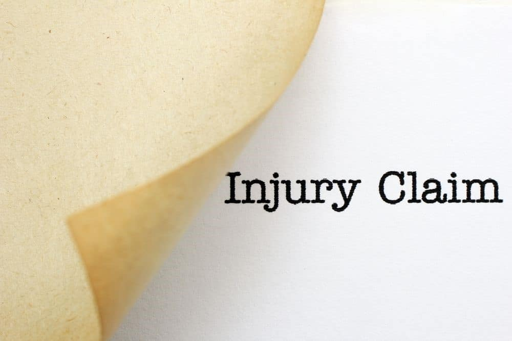 How an Oklahoma Car Accident Lawyer Helps You Win Proper Compensation